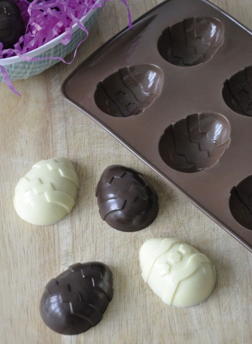 How do you make chocolate easter eggs